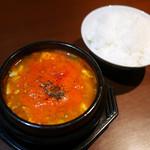 チョンサチョロン - スンドゥブチゲ定食 ¥700