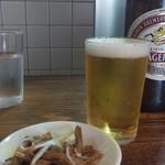 丸長中華そば店 - 大瓶ビール630円とお通しメンマ