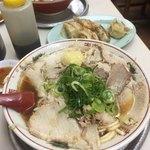 ゆうらい - 関西ではベーシックなトンコツ醤油タイプの様です 味のイメージは和歌山ラーメンと徳島ラーメンの中間ぐらいに感じました