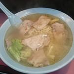 金龍 - 叉焼麺(焼肉麺)950円