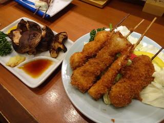 串揚げ 珍串 - 生ビールセットの串4本と椎茸