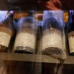 串幸 - ドリンク写真:もの凄いワインがあります^^;