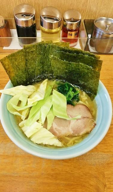 じぇんとる麺 - ラーメン750円麺硬め。海苔増し100円。