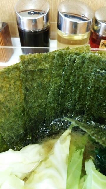じぇんとる麺 - 海苔増しは7枚100円。