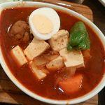 76806657 - 骨なしチキン赤スープ