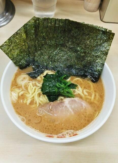 町田家 町田本店 - ラーメン720円麺硬め。海苔増し100円。