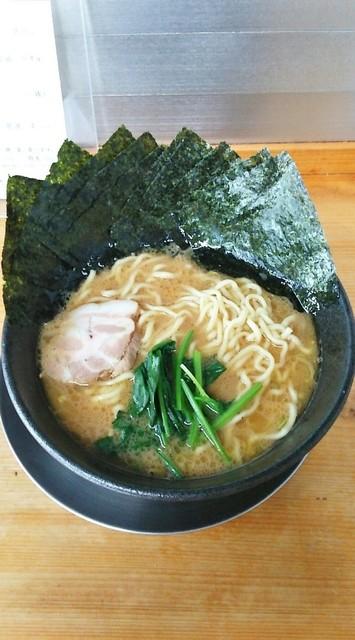 らーめん五葉 - ラーメン630円麺硬め。海苔増し100円。
