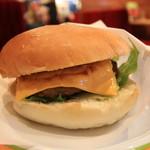 コメダ珈琲店 - 分厚いハンバーグにとろけるチーズ ♪