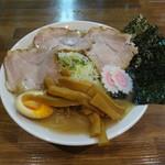 自家製熟成麺 吉岡 - 料理写真:特製ラーメン