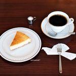 カフェ ヴィオロン - チーズケーキ、グァテマラ