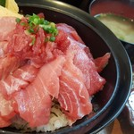 76821292 - 「特選国産生本鮪丼」1,780円。安い!