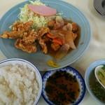 豚豚亭 - 料理写真:中華定食 ¥800