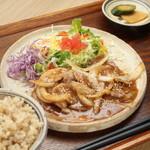 味噌めしや まるたま - 料理写真:ランチの一番人気「紅豚肩ロース味噌しょうが焼き」