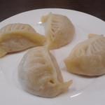 東北人家 - ラム肉のジャンボ蒸し餃子