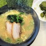 横浜家系ラーメン 印西家 - 豚骨醤油ラーメン+ライス