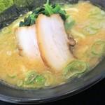横浜家系ラーメン 印西家 - 豚骨醤油ラーメン