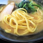横浜家系ラーメン 印西家 - 麺