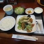 台湾料理台北101 - 回鍋肉定食(750円)2017年11月