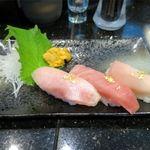 琉球回転寿司 海來 - まぐろトロの贅沢三点握り(1,000円)