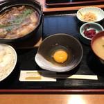 いとはん三日月 - すき鍋定食900円