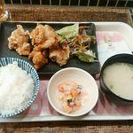 76829170 - びんびん鶏の唐揚げ定食