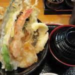宝 - 丼と味噌汁