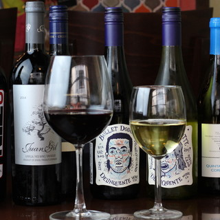 充実のワインでオシャレ飲み!レアな日本酒にもご注目◎