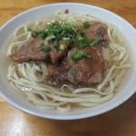 田舎 - 料理写真:超コスパ良しのソーキそば(390円)