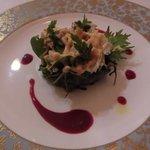 76841468 - 前菜2 タラバ蟹とグレープフルーツのサラダ