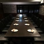 肉と日本酒 ゴッツジェイズ - テーブル席最大18名様