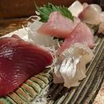天史朗寿司 - お刺身盛り合わせ 鮮度が良いので塩で頂きます