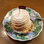 ミリオン洋菓子店 - 谷川岳390円