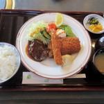 るーらる - スペシャルランチ(ハンバーグ・白身フライ・エビフライ)/1,150円
