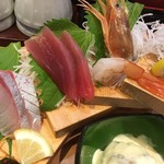 大漁市場 こんぴら丸 - 本日のお刺身盛り合わせ