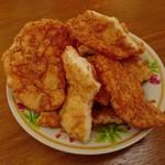 源兵衛本舗 - 料理写真:揚げ久助 赤味噌仕立て(われせんべい)…税込250円