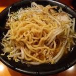 ラーメン&カレー 山形アッキー - どか盛りの麺