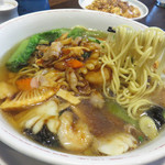 桃里 - こちらもかなりグが多い!それにグが大きい! 海鮮だけでなく、お肉も入ってたそうです。