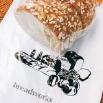 breadworks - ブランブレッド 1/2 @250円