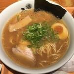 ひるがおEX - 醤油白湯らーめん(830円) 2017.11