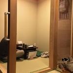 京のそば処 花巻屋 - 座敷とテーブル 30席程