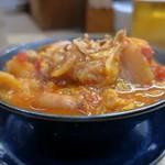 家庭料理 小川 - 野菜とソーセージのトマトソース煮