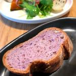 ソッシュ・ザ・マーケットバール - 自家製パンはおかわり自由