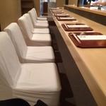 76883885 - 座り心地の良い椅子。
