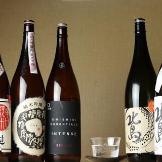店主が惚れ込む滋賀の地酒を、定番から限定酒まで。