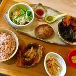 ハンバーグカフェ ナリスケ - 料理写真:フライランチ