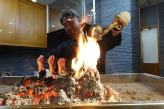 柳家錦 - 焼き場が囲炉裏風になり自由に焼けるようになりました