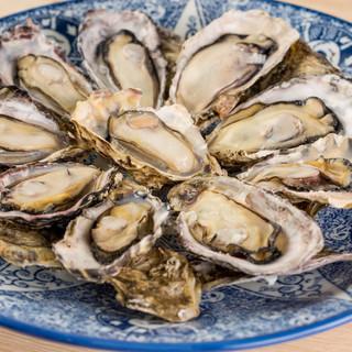 兵庫県播磨灘産の新鮮な一年牡蠣を使用
