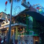 カフェ おうぎや - 大竹伸朗さんの直島銭湯 I❤️湯 カフェおうぎやさんからは徒歩で数分。直島にきたら絶対入るべき楽しい銭湯です^_−☆