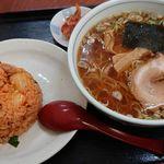 食道園まるみ - 料理写真:ラーメンと半キムチチャーハンのセット