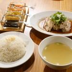 76901401 - Hainanese Chicken Rice レギュラー¥1100